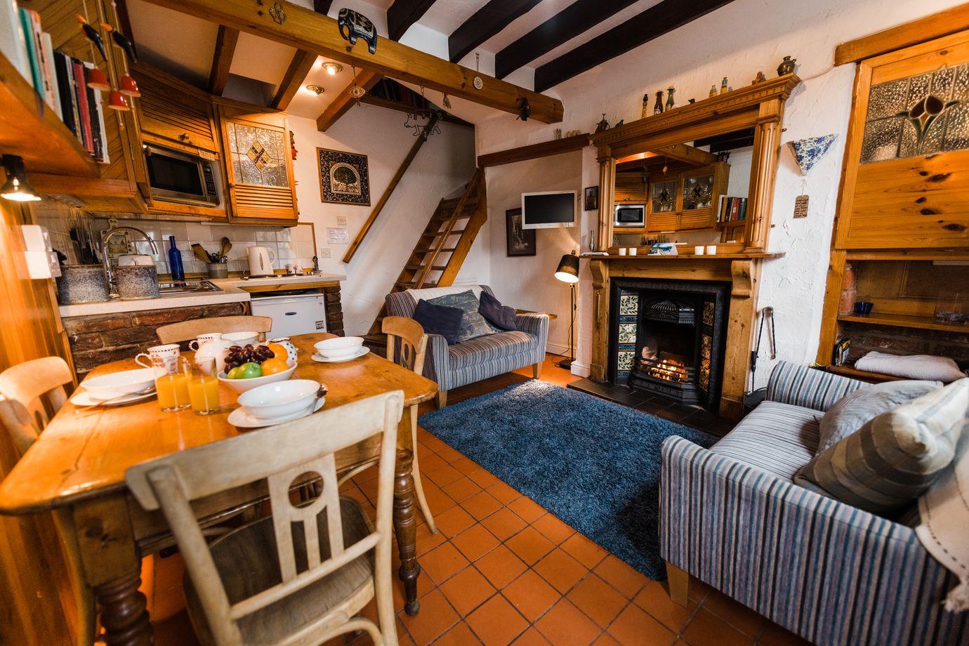 Auburn Cottage - Robin Hood's Bay 00007.jpg